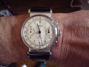Les chronographes à anses articulées étaient très en vogue dans les années 30, en voici quelques uns. dans Générale rolex-reference-2705-admin-mmpm-0031-300x225